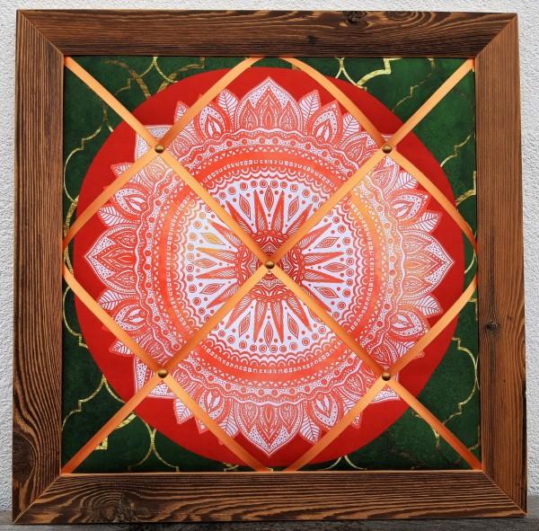 Altholz-Pinnwand Mandala rot
