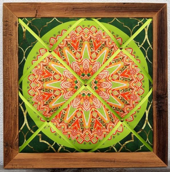 Altholz-Pinnwand Mandala grün
